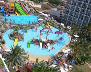Piscina temática del Hotel Los Patos Park