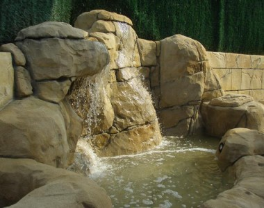 Estanque rocas artificiales