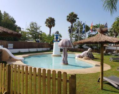 Piscina infantil en el Hotel Alegria Costa Ballena