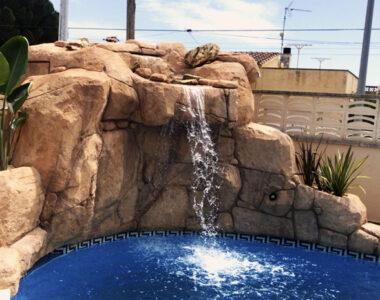 Rocalla con salto de agua